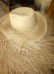 Chapeau en paille tissée de Cuenca