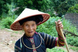 Femme Lolo noir au Vietnam