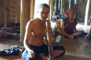 """Famille de nos hôtes """"Lolos noirs"""" au nord Vietnam"""